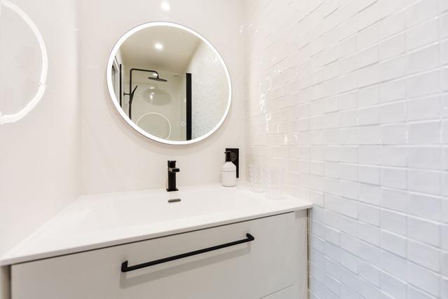https://stephanieperroin.com/wp-content/uploads/2020/08/architecture_interieure_la_baule_-rénovation_-appartement_11-avenue-edmond-rostand_www.stephanieperroin.com_-SDeau_enfant.jpg